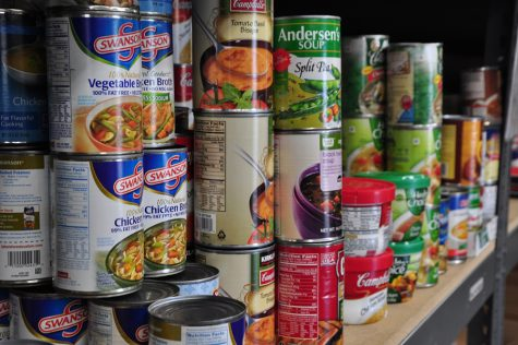 French Honor Society Collects Non- Perishable Food