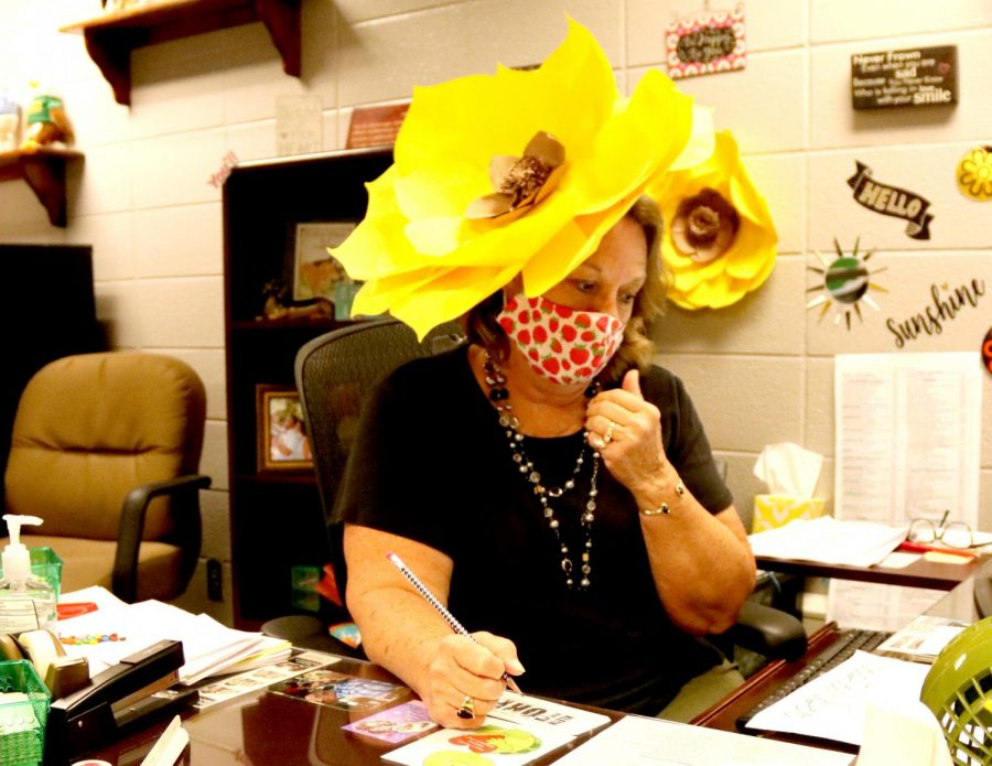 Faculty Shows Spirit During Dress-Up Week Sept. 14-18