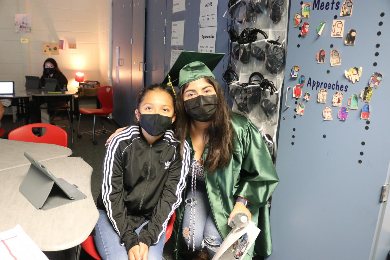 Seniors+Visit+elementary+Schools